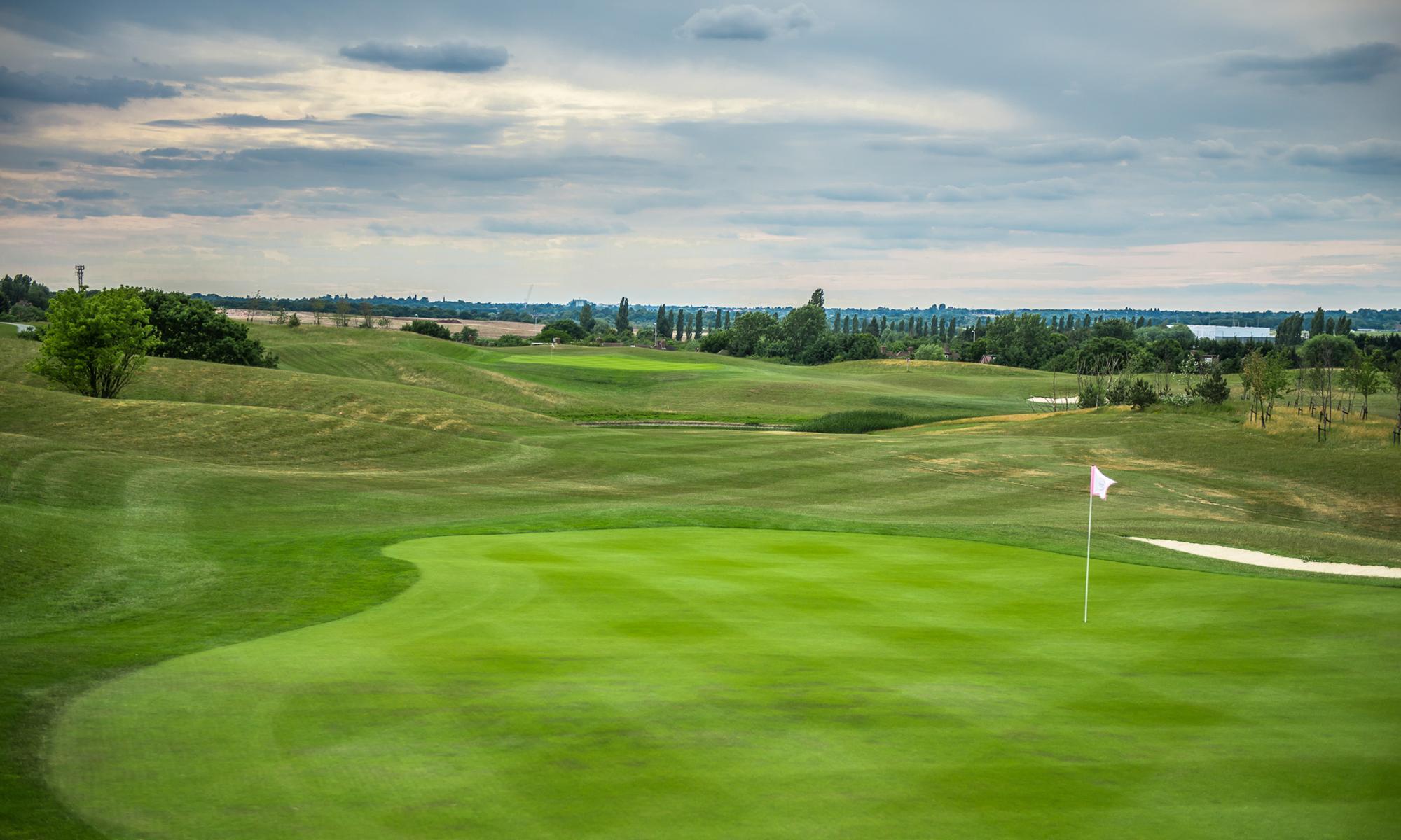 West London Golf Centre 4th Hole