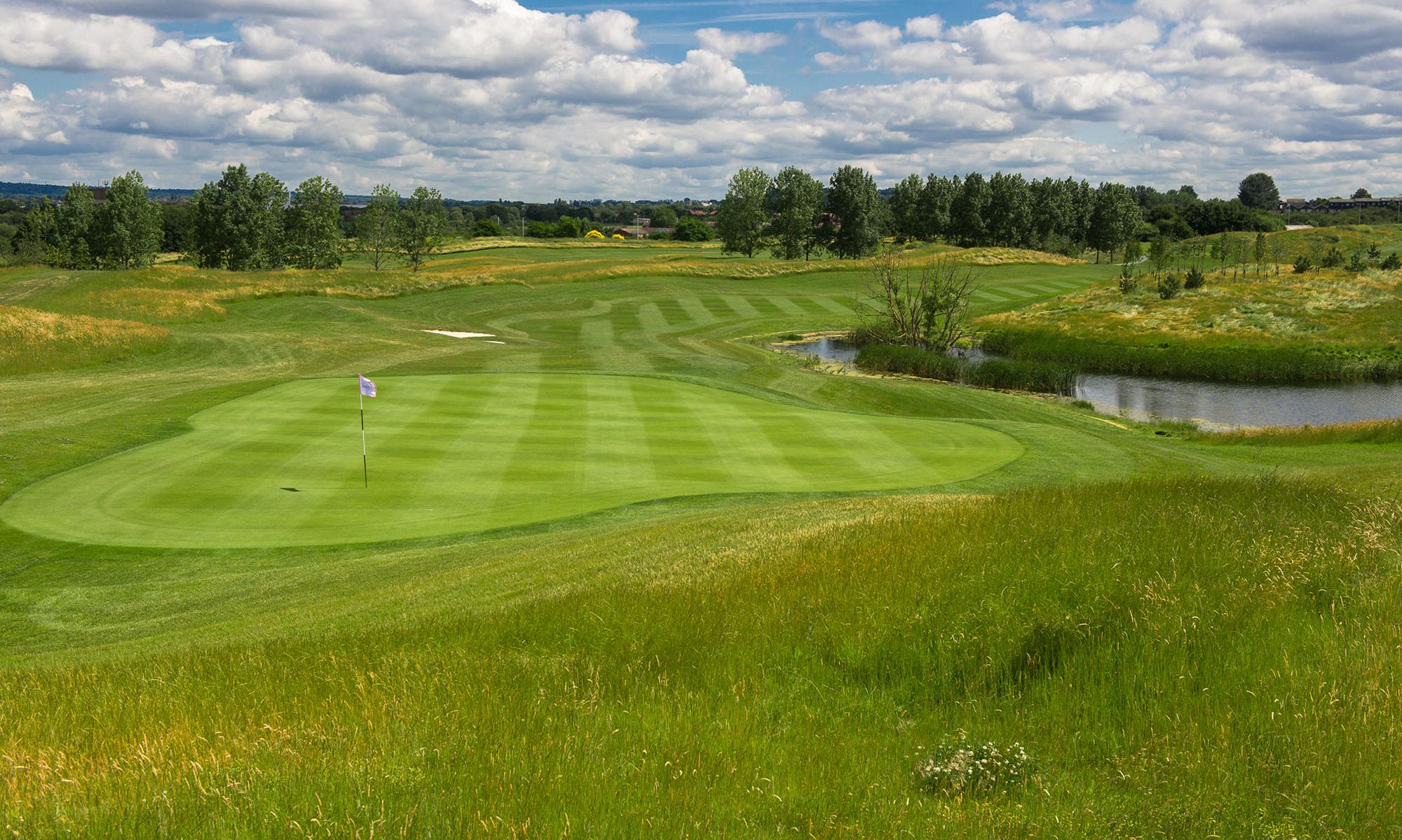 West London Golf Centre 8th Hole